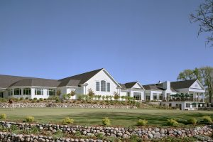 Ozaukee-Country-Club_Exterior_Golf-Country-Clubs_Hospitality_ZAStudios