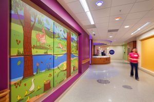 Children's-Hospital-of-Wisconsin-NICU_Corridor_Acute-Care_Heathcare_ZAStudios